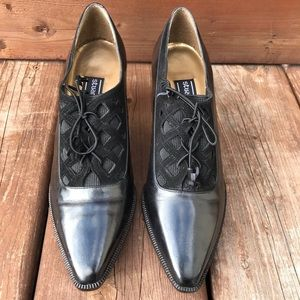 Leather Stuart Weitzman shoes